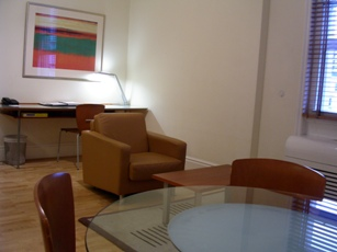 06102006londonhotel2.JPG