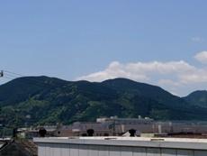 mountainszoom130052010.JPG