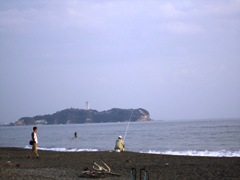 tsudjidobeachandenoshima.JPG